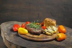 Piec na grillu polędwicowy wołowina fotografia stock