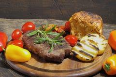 Piec na grillu polędwicowy wołowina zdjęcie stock