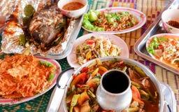 Piec na grillu Rybi Gorącego i kwaśnego zupnego melonowa sałatkowy tajlandzki jedzenie Fotografia Stock