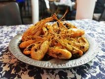 Piec na grillu rzeczna krewetka jest bardzo sławnym owoce morza naczyniem w Azja zdjęcie stock