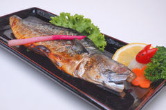 Piec na grillu Skumbriowy Saba Shioyaki na białym tle Zdjęcie Royalty Free