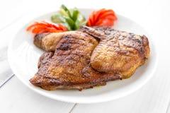 Piec na grillu smażył pieczonego kurczaka tytoniu Zdjęcie Stock