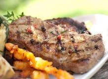 piec na grillu stek obraz royalty free