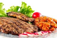Piec na grillu stek z sałatą Zdjęcie Royalty Free