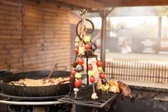 Piec na grillu warzywa na metali skewers Uliczny jedzenie Obrazy Royalty Free