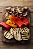 Piec na grillu warzywa na pokładzie Zdjęcie Stock