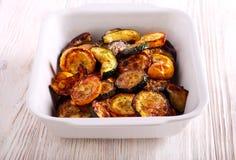 Piec na grillu warzywa: zucchini, oberżyna i courgette, Fotografia Stock
