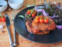Piec na grillu wieprzowina kotlecika stek Obrazy Royalty Free