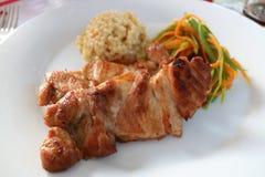 Piec na grillu wioska kurczak z macierzanką obrazy royalty free