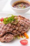 Piec na grillu wołowiny wieprzowiny stek Zdjęcia Royalty Free