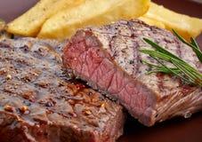 Piec na grillu wołowina stek Zdjęcia Stock