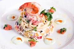 piec naczynia oberżyny garneli spaghetti Obrazy Stock
