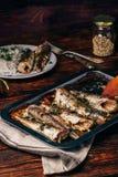 Piec rybi ścierwa na wypiekowym prześcieradle fotografia stock