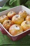 Piec soczysty wyśmienicie jabłko z pieczenią dla piec zdjęcie stock