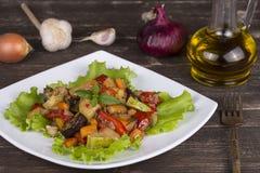 Piec warzywa na białym talerzu Zdjęcie Stock