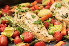 Piec warzywa na czarnym drewnianym tle i mięso Zdjęcia Stock