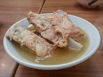 Piec wieprzowiny kość zupny Bak Kut Zdjęcie Royalty Free