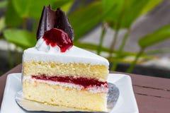 Piece of strawberry cake Royalty Free Stock Photos