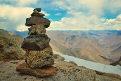 Free Pieces Of Stones Balancing Over Another As A Symbol Of Peace Of Mind And Balance Royalty Free Stock Images - 187273209