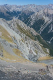 Piechurzy na footpath glacjalna dolina Obraz Royalty Free