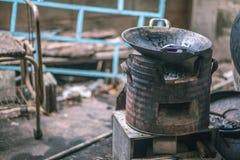 Piecowy węgiel drzewny w domu obrazy royalty free