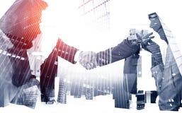 Pieczęciowa transakcja w mieście, partnerstwa pojęcie obraz stock