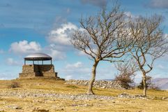 Pieczarka na Skautowskiej bliźnie, Kendal, z popiółów drzewami Obraz Royalty Free