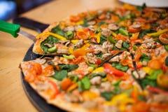 Pieczarkowa pizza obrazy royalty free