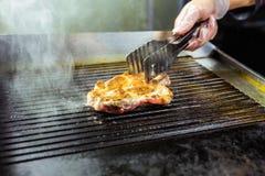 pieczone mięso Soczysty stek od wołowiny - miękki focuse Obraz Stock
