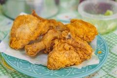 Pieczony kurczak na półkowego galeto smakowitym słonym jedzeniu w domu obrazy stock