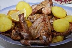 Pieczony kurczak uskrzydla z grulami Zdjęcie Stock
