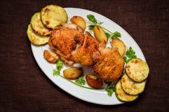 Pieczony kurczak z courgettes Obrazy Stock