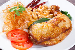 Pieczony kurczak z cytryny trawy ziele Zdjęcia Royalty Free