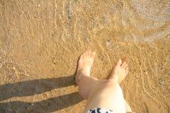 Pied sous l'eau photo libre de droits