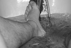 Piede in acqua Fotografie Stock Libere da Diritti
