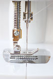 Piede del metallo della macchina per cucire Fotografie Stock