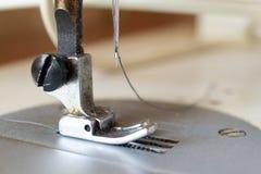 Piede di Presser della macchina per cucire Fotografia Stock Libera da Diritti