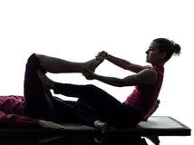 Piedi dei piedini di siluetta tailandese di massaggio Immagini Stock Libere da Diritti