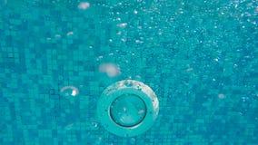 Piedi del ` s degli uomini subacquei video d archivio