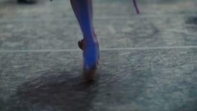 Piedi della ballerina in scarpe di Pointe video d archivio