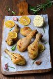 Piedini di pollo cotti immagine stock