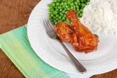 Piedini di pollo di vista superiore con la salsa di barbecue Immagini Stock Libere da Diritti
