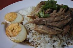 Piedino stufato del porco su riso Fotografia Stock Libera da Diritti