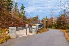 Piedmont parkerar slingan och vandringsledet till den storslagna axeln, Atlanta, USA royaltyfri fotografi