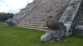 Piedra antigua de la pirámide Foto de archivo libre de regalías