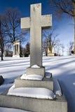 Piedra cruzada de la tumba Imagenes de archivo