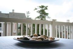 Piedra de la decoración con el fondo de las casas Imagen de archivo libre de regalías