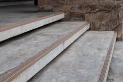 Piedra de la escalera al aire libre imagen de archivo