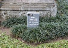 Piedra de la información para Khue Van Pavilion, segundo patio, templo de la literatura, Hanoi, Vietnam imagen de archivo