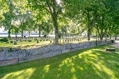 Piedra de la tumba en Suecia Fotos de archivo libres de regalías
